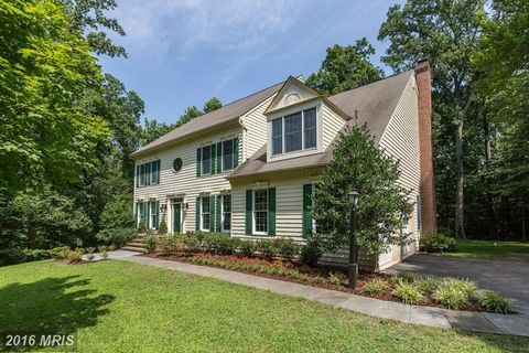 crownsville singles Click now to browse more residences in crownsville florida madvalorem 445 herald harbor road, crownsville, md 21032  single family, and it has a 023 acre lot.