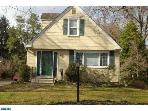 409 Kenilworth Ave, Moorestown, NJ 08057