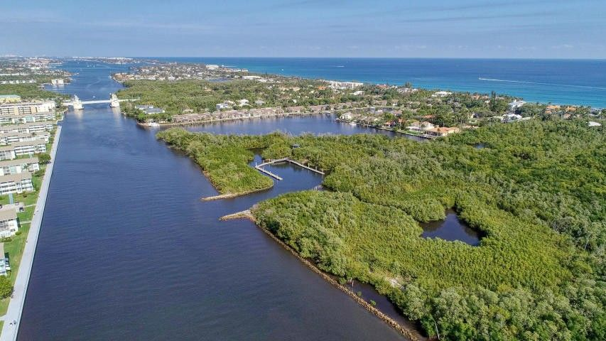 700 Horizons W Apt 204, Boynton Beach, FL 33435