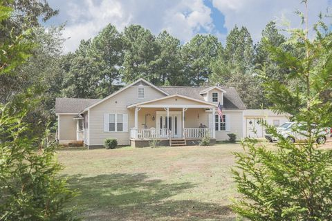 898 Joe Dillon Rd, Michie, TN 38357