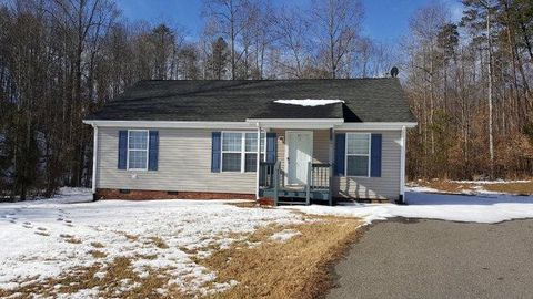 100 Pebble Rd, Martinsville, VA 24112