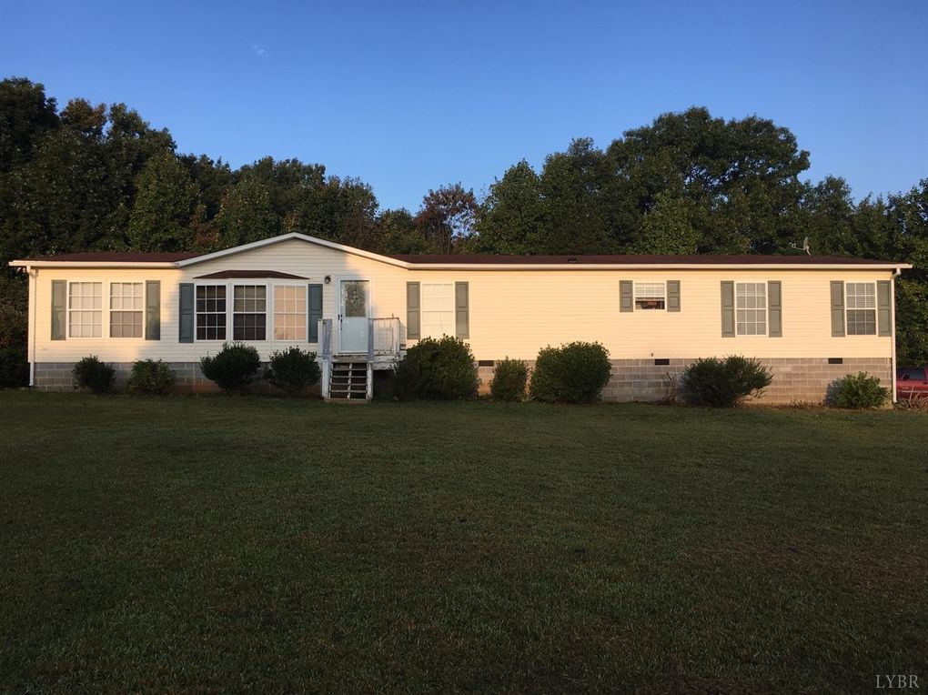 1589 Austins Rd, Gladstone, VA 24553