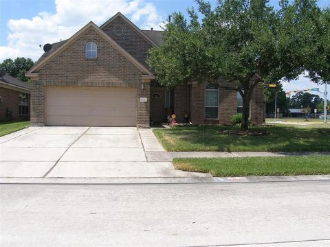 17227 Quiet Grove Ln, Humble, TX 77346