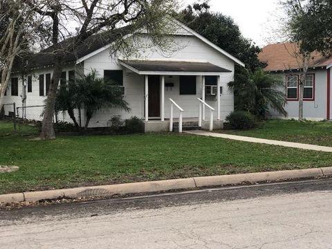 Photo of 526 W Avenue A, Kingsville, TX 78363