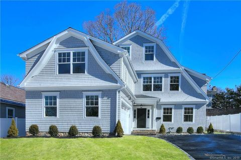 Photo of 16 Whitney Ave, New Canaan, CT 06840