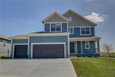 Photo of 104 Se Briar Valley Ln, Blue Springs, MO 64064