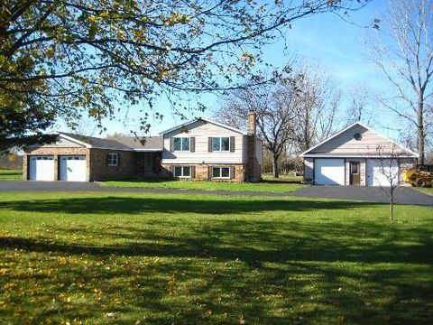 14315 Pleasant Valley Rd, Woodstock, IL 60098