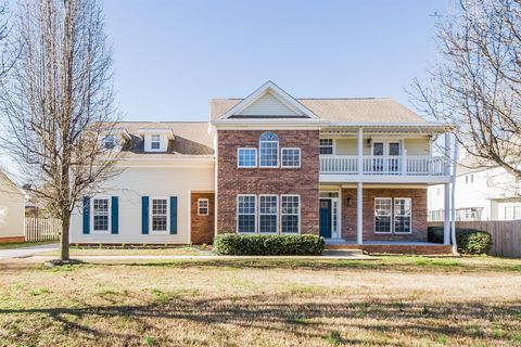 Photo of 4749 Hunters Crossing Dr, Old Hickory, TN 37138