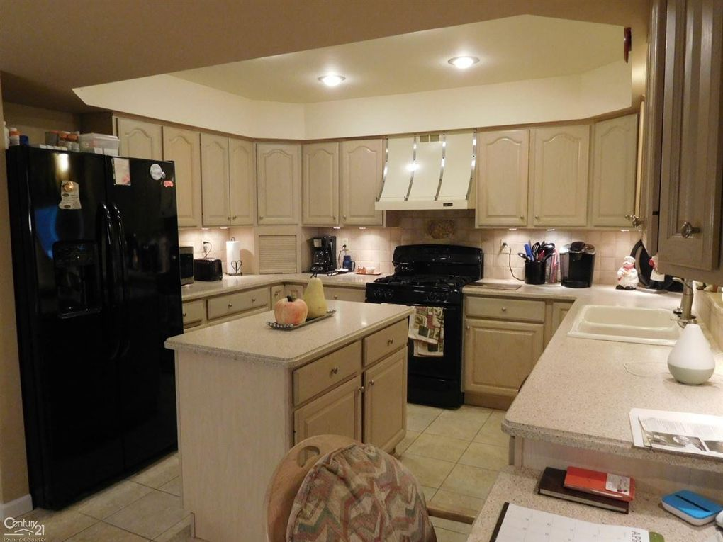 Plumbrook Sterling Heights Home For Sale