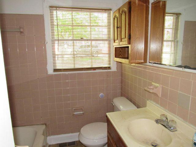 Bathroom Tiles Rockingham 215 eastside dr, rockingham, nc 28379 - realtor®