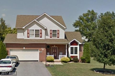 16908 Cavalry Dr, Williamsport, MD 21795