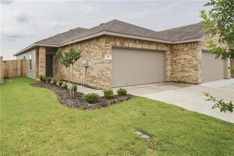 493 Canvas Ct, Crowley, TX 76036