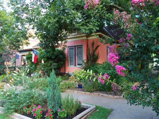 309 Olive St, Smithville, TX 78957 - realtor.com®