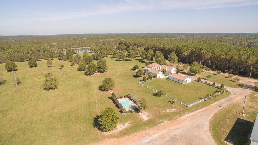 75 Golden Pines Rd, Perkinston, MS 39573