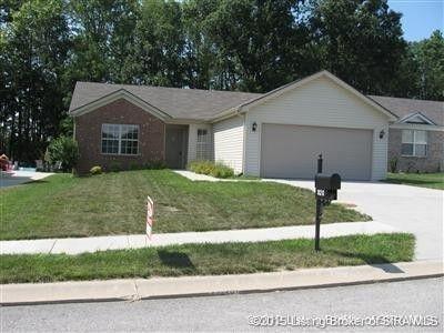 920 Twin Oaks Dr, Henryville, IN 47126