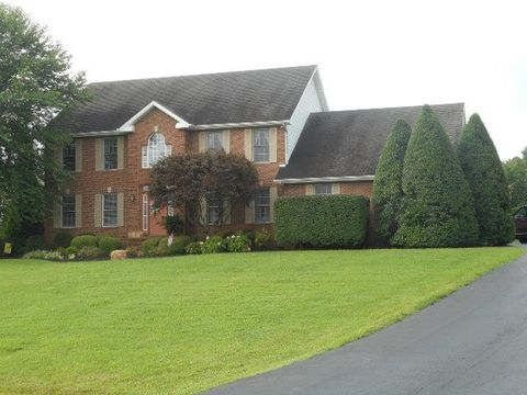 532 Banbury Dr, Madisonville, KY 42431