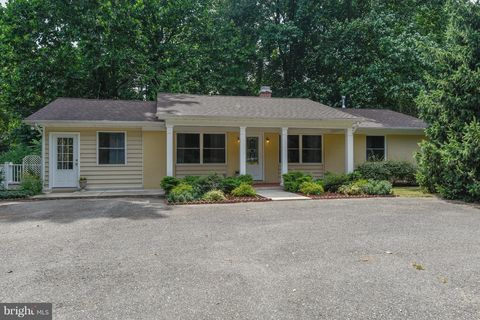 2008 Generals Hwy, Annapolis, MD 21401