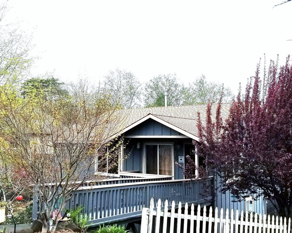 4101 Hillside Ct, Eureka, CA 95503