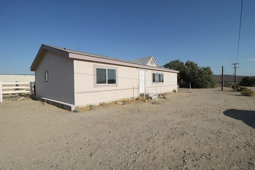 19915 anahola rd barstow ca 92311