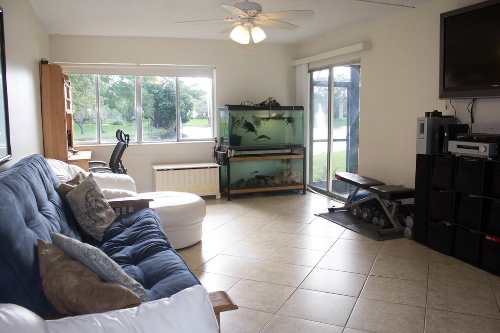 824 Sw 9th Street Cir Apt 102, Boca Raton, FL 33486
