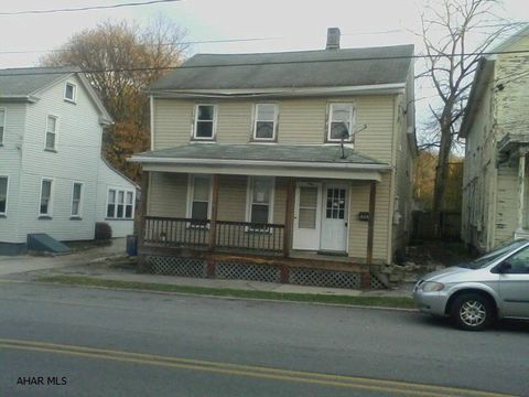 301 High St, Williamsburg, PA 16693