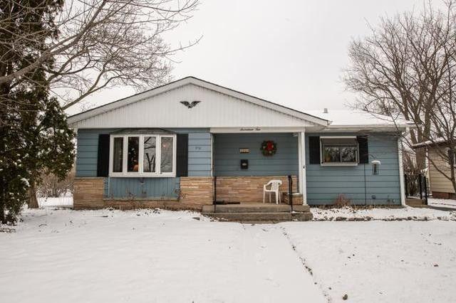 1710 W Greenwood Ave Waukegan, IL 60087