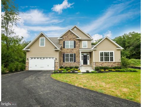225 Stouts Valley Rd, Wiliams Township, PA 18077