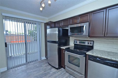 2661 Marilee Ln Apt 3 Houston Tx 77057 Townhome For Rent