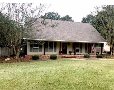 Photo of 207 Zion Hill Rd, Mendenhall, MS 39114