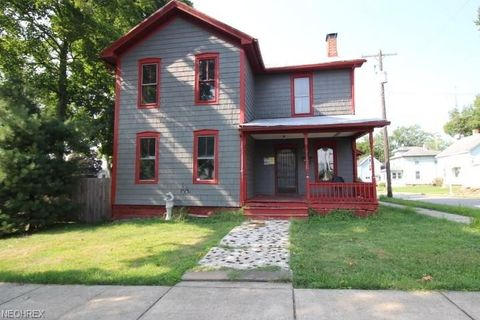 584 E 6th St, Salem, OH 44460
