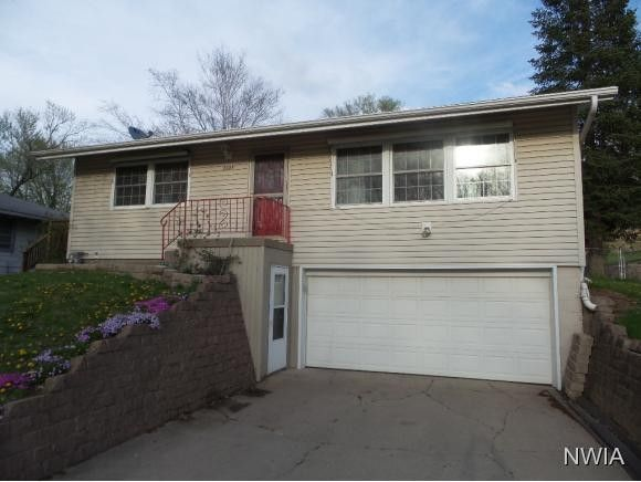 2604 Willow St, Sioux City, IA 51106