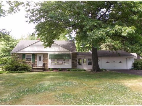 4545 Ammon Rd, South Euclid, OH 44143
