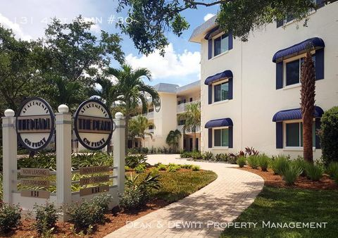 Photo of 131 41st Ave N Unit 30, Saint Petersburg, FL 33703