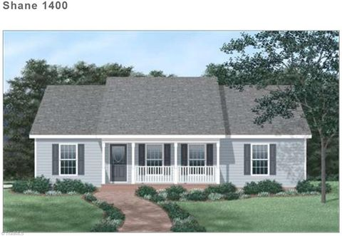 Photo of 4630 Boxwood Dr, Walkertown, NC 27051