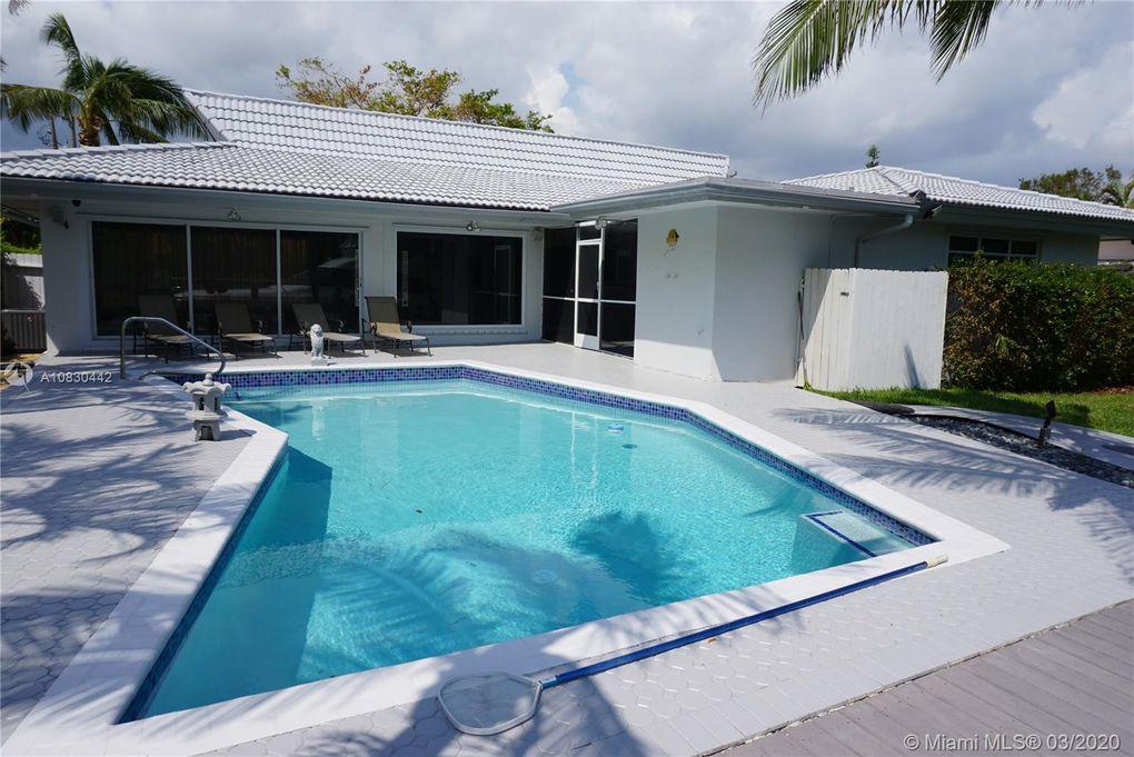 13015 Keystone Ter North Miami, FL 33181