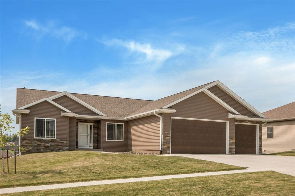 604 Sullivan St West Branch, IA 52358