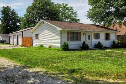 Photo of 108 N Main St, Dale, IN 47523