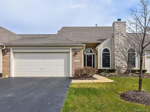 16774 Lochmoor Cir W Unit 46, Northville Township, MI 48168