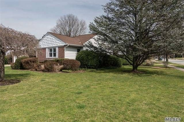 177 Tanners Pond Rd Garden City Ny 11530 Home For Sale