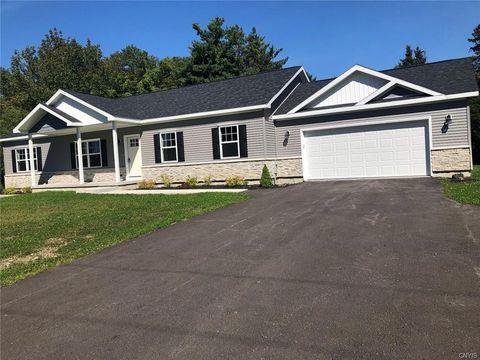 Photo of 2938 Graffenburg Rd, New Hartford, NY 13413