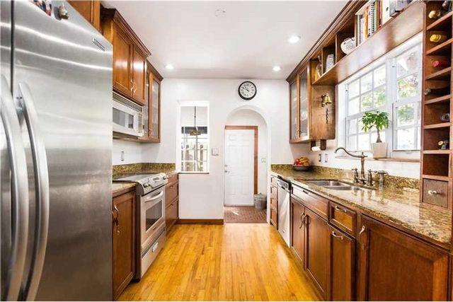 7534 Ne 6th Ct, Miami, FL 33138 - Kitchen