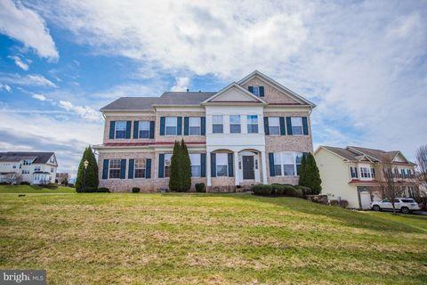 29 Pathfinder Ct, Shepherdstown, WV 25443. House For Rent