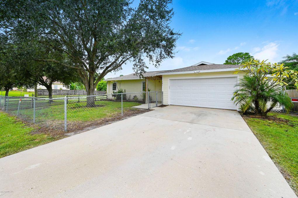 181 San Luis St SW Palm Bay, FL 32908