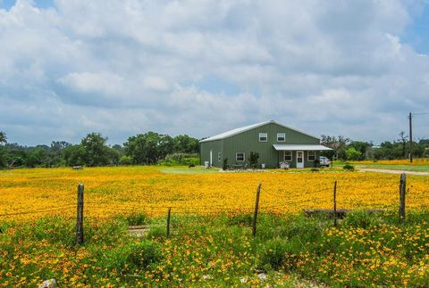 Photo of 2962 N Ranch Road 783, Harper, TX 78361