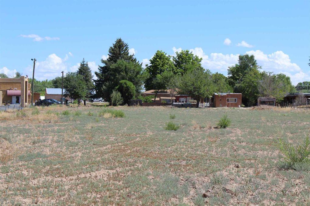 610 S Riverside Dr Espanola, NM 87532