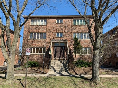 Photo of 10405 Sheffield Dr Apt 2 S, Palos Hills, IL 60465