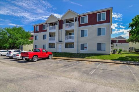 Photo of 523 Sw Pkwy Unit 204, College Station, TX 77840