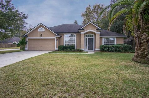 377 Maplewood Dr, Saint Johns, FL 32259