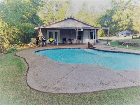320 Theron Dr, Lone Star, TX 75668
