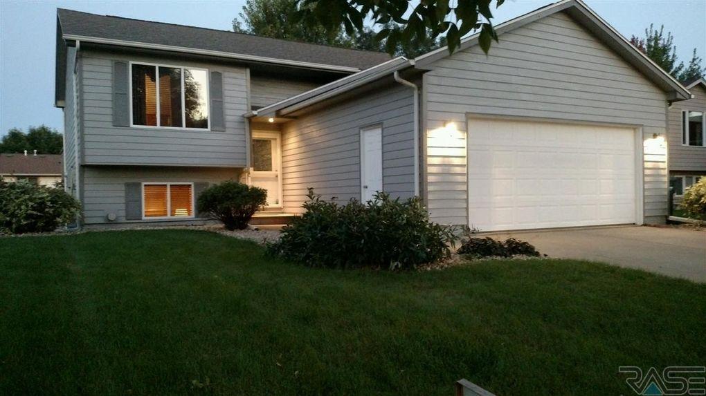 5608 S Sundowner Ave, Sioux Falls, SD 57106